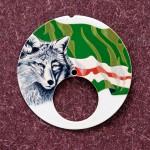Loup et drapeau peints en micro-peinturesur un cadran