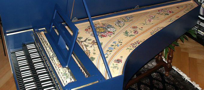 facture facteur de clavecin table d'harmonie peinte décoration des clavecins